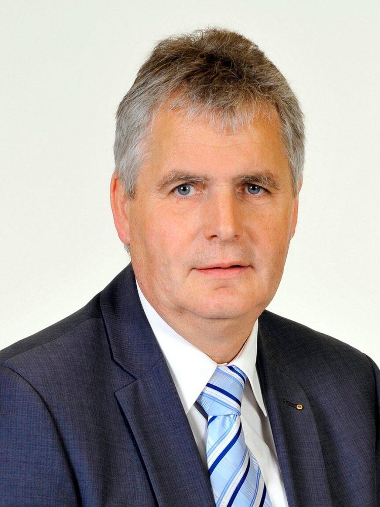 SCHIRMHERRLANDRAT BERND LANGE (GÖRLITZ)